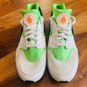 Nike Air Huarache Size 11.5